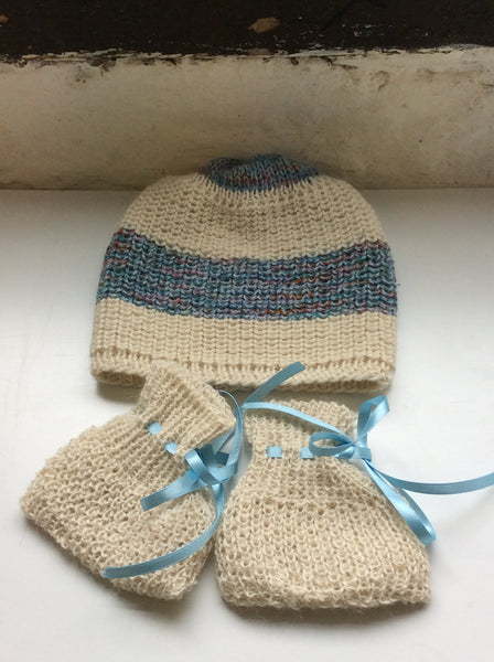 Jenmark Alpaca Baby Shoes + Hat Set
