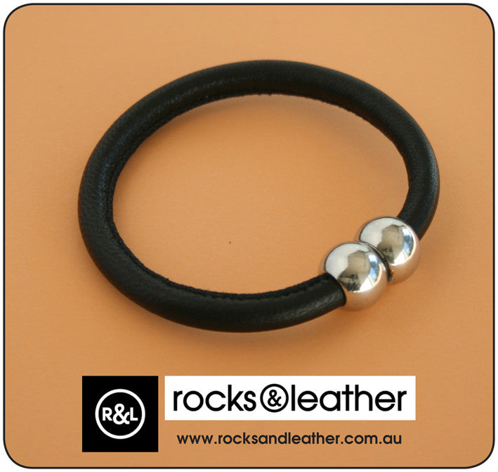 Rocks & Leather Bangle & Magnetic Clasp - Black