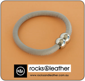 Rocks & Leather Bangle & Magnetic Clasp - Grey