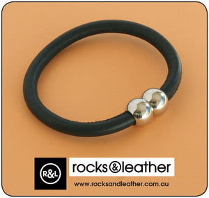 Rocks & Leather Bangle & Magnetic Clasp - Navy Blue