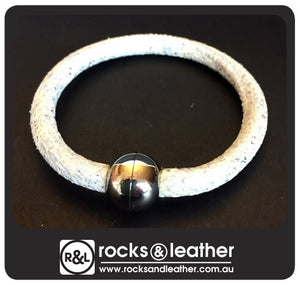 Rocks & Leather Bangle & Magnetic Clasp - Textured Ivory