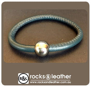 Rocks & Leather Bangle & Magnetic Clasp - Blue