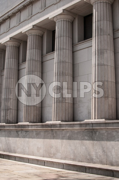 columns on courthouse in Downtown Manhattan