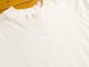 Nike Sportswear Tonal Long Sleeve T-Shirt - White