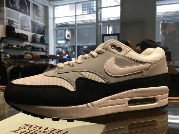 Air Max 1 - white/black/grey