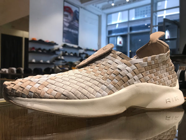 Size 09 & 11 UNDER HALF PRICE Air Woven - sand/sail/white