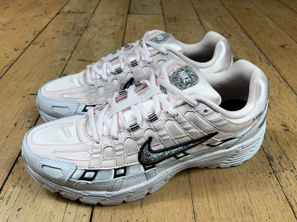Women's Nike P-6000 SE - Light Soft Pink/Mutli Colour