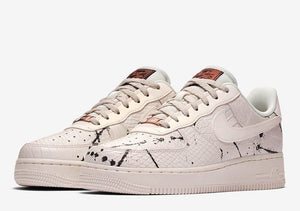 Womens Air Force 1 '07 LX - white/phantom/black