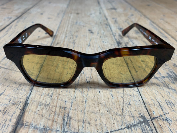 Analogue - Tortoise Frame / Yellow Lenses