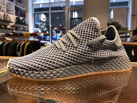 Deerupt Runner - Grey/Gum