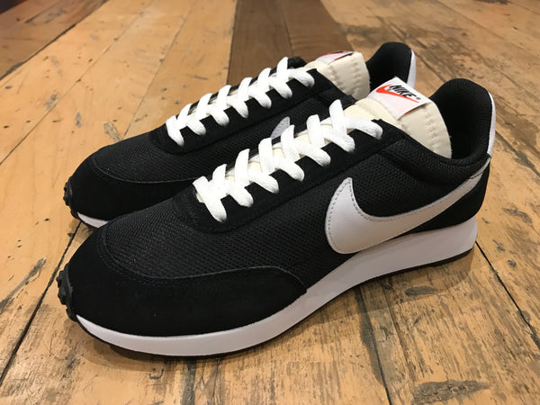 sports shoes 63476 2cfde Nike Air Tailwind  79 - Black White Team Orange