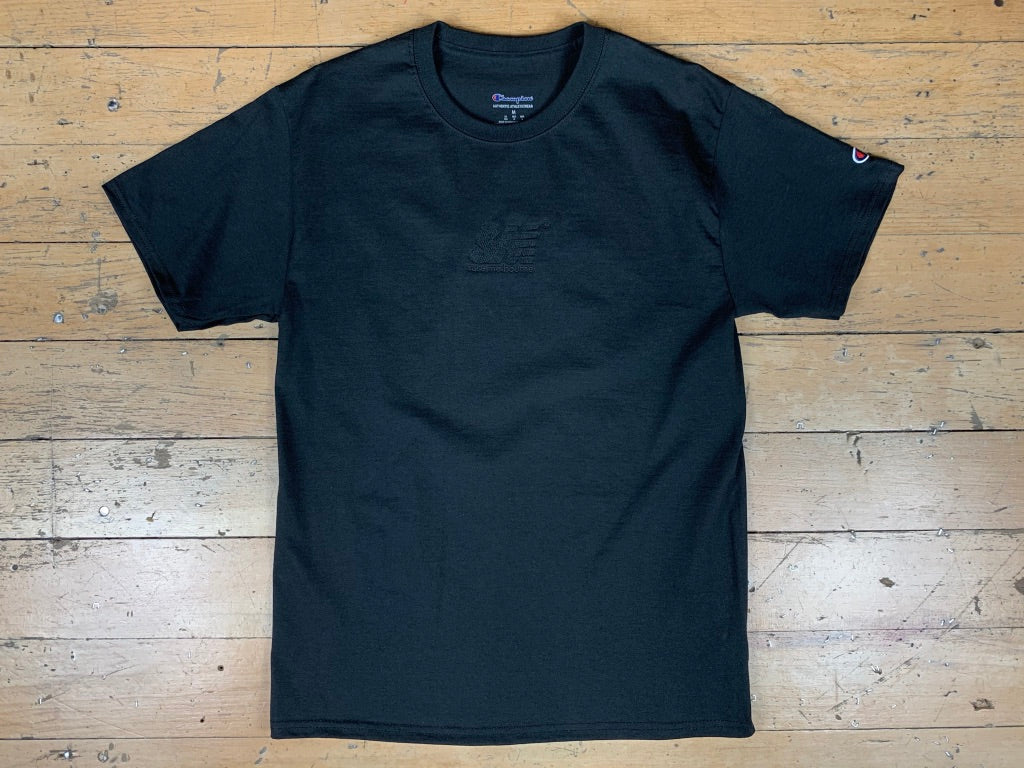 SM Champion Chest Embroid T-Shirt - Black