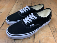 Authentic - Black/White
