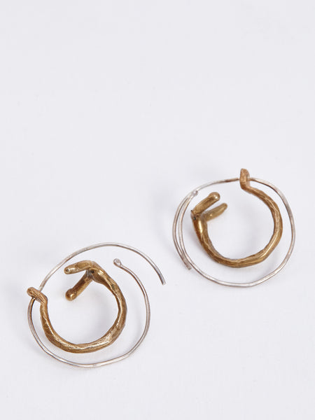 http://www.therisingstatesnyc.com/collections/earrings/products/colure-hoops