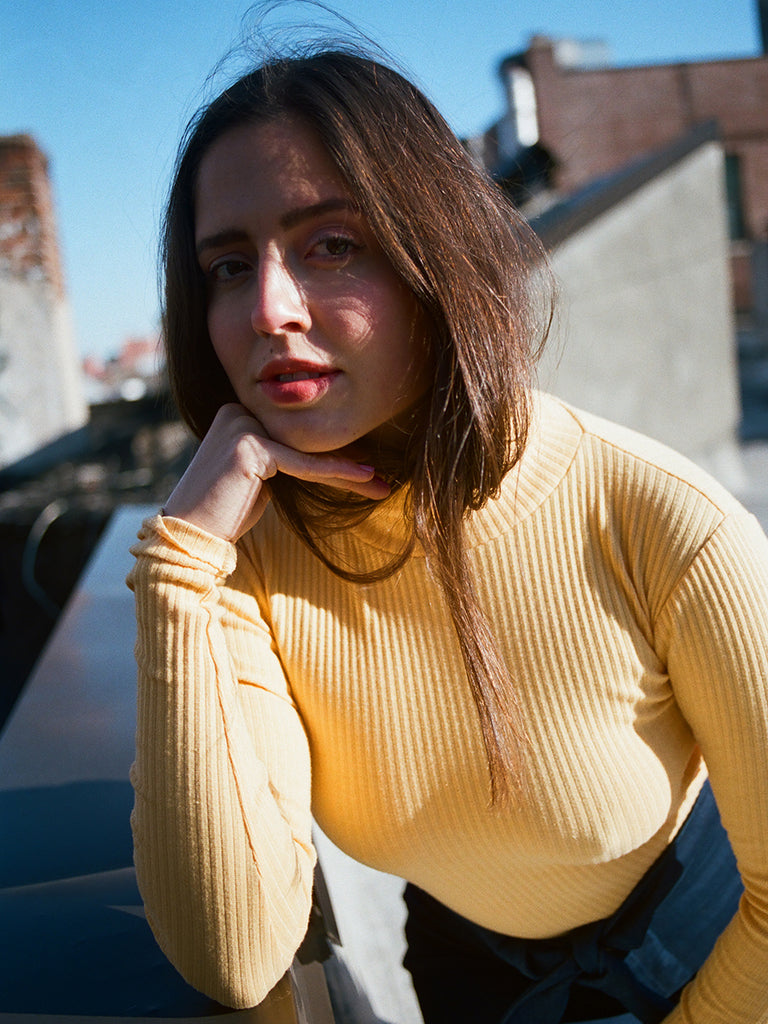 BASIC COLOR TURTLENECK / YELLOW