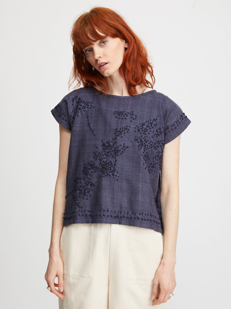 FLORAL FRENCH KNOT PONCHO TOP / NAVY