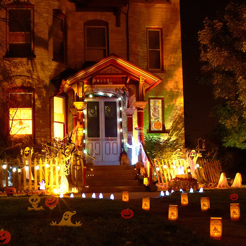 Spooky Yard Displays with Z-Wave