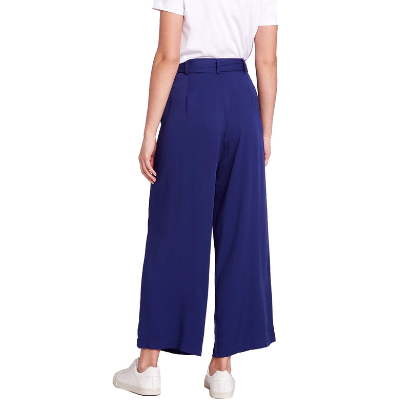 BB Dakota  She's Sophisticated Belted Cropped Pant Size  Muse Boutique Outlet | Shop Designer Clearance Bottoms on Sale | Up to 90% Off Designer Fashion
