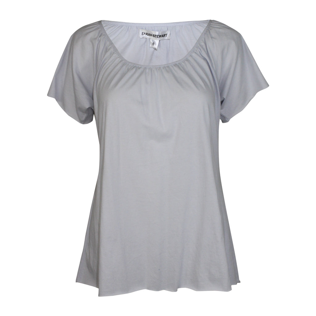 Sarah Stewart Gray Scoop Neck Knit Tee Size Small Muse Boutique Outlet | Shop Designer Short Sleeve Tops on Sale | Up to 90% Off Designer Fashion