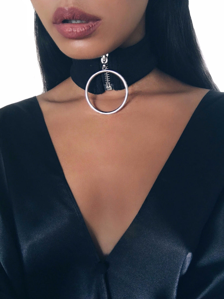 .FC - High Zip Collar Choker