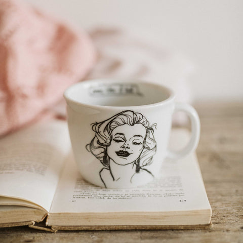 MARILYN, the hot one, 35cl mug - polonapolona