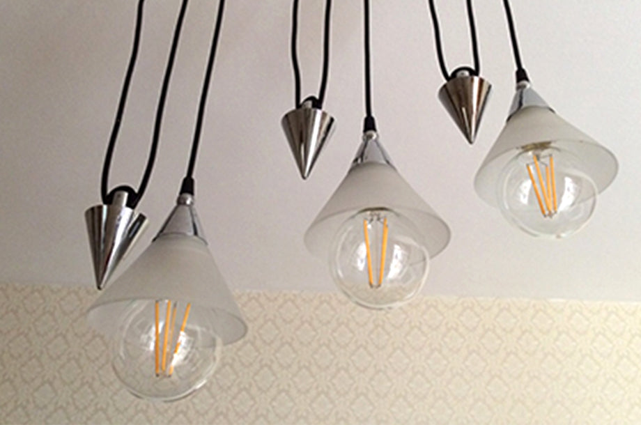 Bright Goods LED filament Edward  bulb in ceiling light fitting