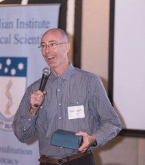 Photo: Glen Lynch accepting the AIMS Queensland Trajan Medical Scientist of the Year Award 2016.