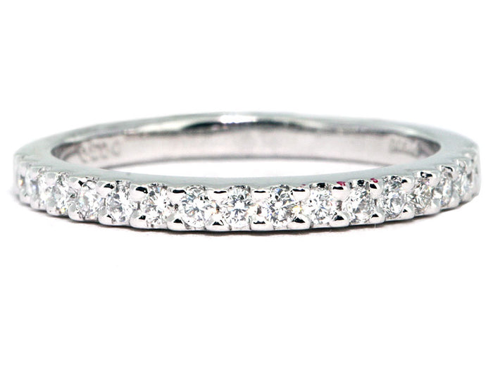Plat & Dias Wedding Band 18rbc=.32cttw