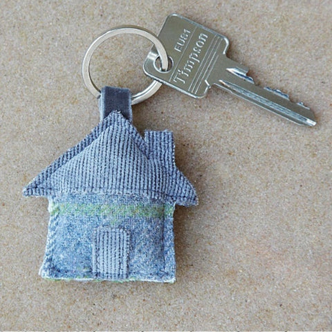 Earth Squared Heritage Tweed House Keyring in Grey 9388