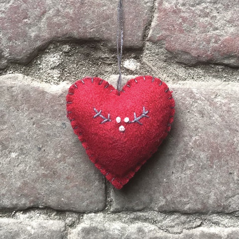 Embroidered Heart Sm - Red / Berry 10717