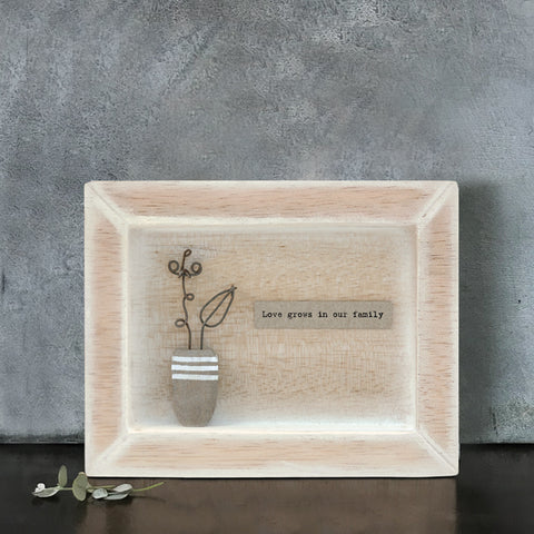 Box Frame - Love Grows in Our Family 7923