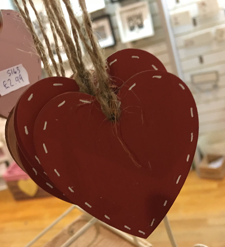 6cm Single Heart with string 5142