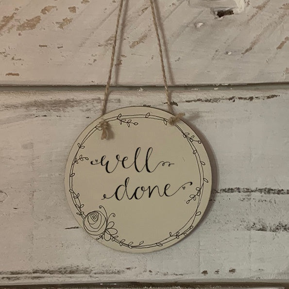 Handmade Wreath Round Plaque - Well Done 9940