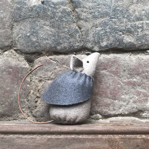 Little Mouse with Grey Cape - Dot 10355