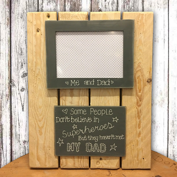 Lg Pallet Board with Photo Frame 7763