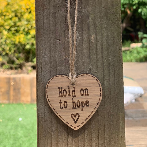 Handmade Little Sentiment Heart - Hold on to Hope 10000