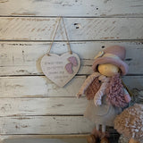 "6"" Heart with Dash Border & Wooden Feet 9547"