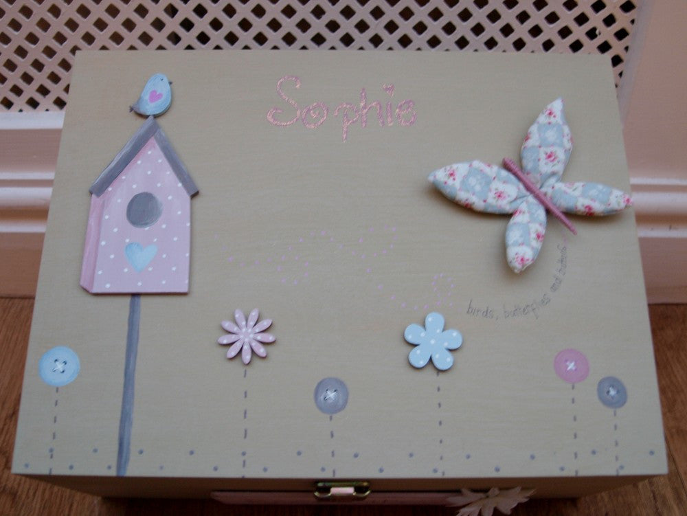 Keepsake Box Lg - Birds, Butterflies & Buttons 3689