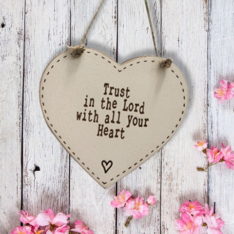 10cm Thick Heart Plaque - Trust in the Lord 9810