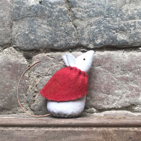 Little Mouse with Red Cape - Daisy 10354