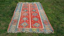 Red and Blue Kilim Rug 3,6x5,5 feet
