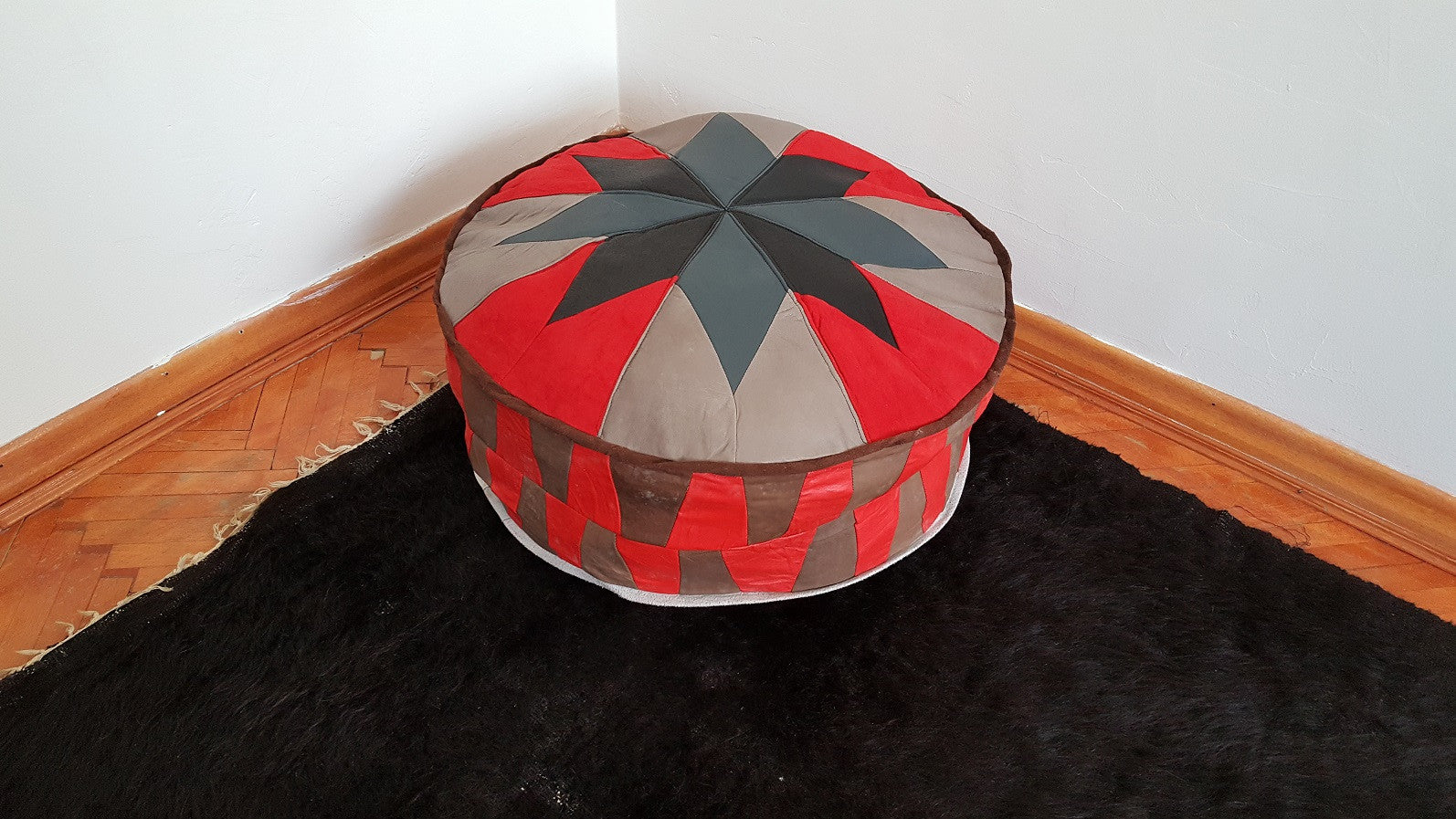 Pouf with Star Pattern