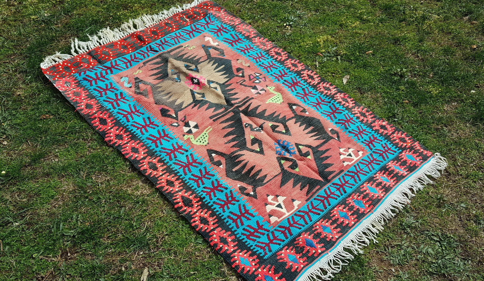 3x4,6 Charming Turkish kilim rug