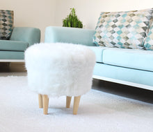 "Ottoman Pouf White Fur Round 16,5"" x16,5"" inches"