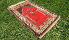 Antique Anatolian prayer rug - bosphorusrugs  - 1