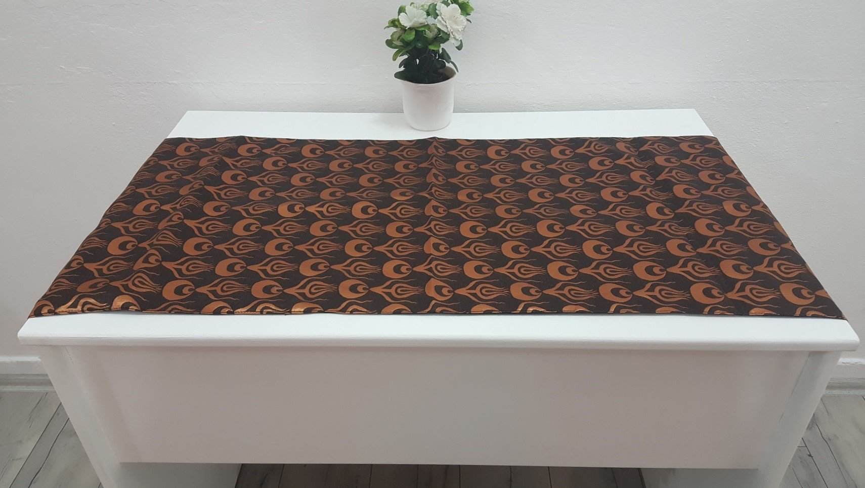 Bronze and Copper Colour Runner Elegance