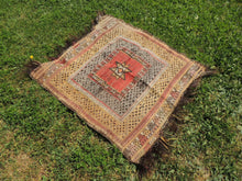 "Square Turkish kilim ""Sofrah"" - bosphorusrugs  - 2"