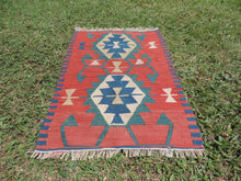 Small vintage boho Turkish kilim rug - bosphorusrugs  - 3
