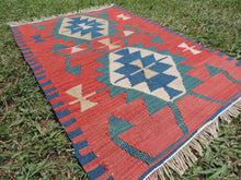 Small vintage boho Turkish kilim rug - bosphorusrugs  - 5