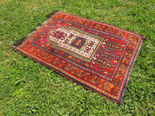 Signed Turkish prayer rug - bosphorusrugs  - 2